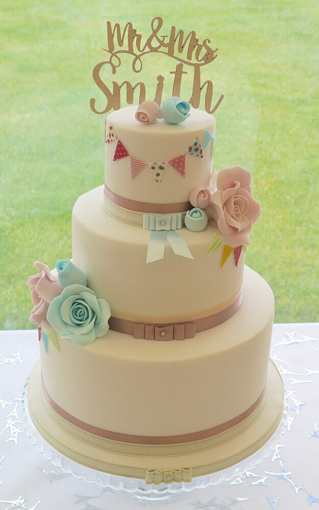 wedding cakes cumbria wedding cakes cumbria lake district cutie pie cake co 24129