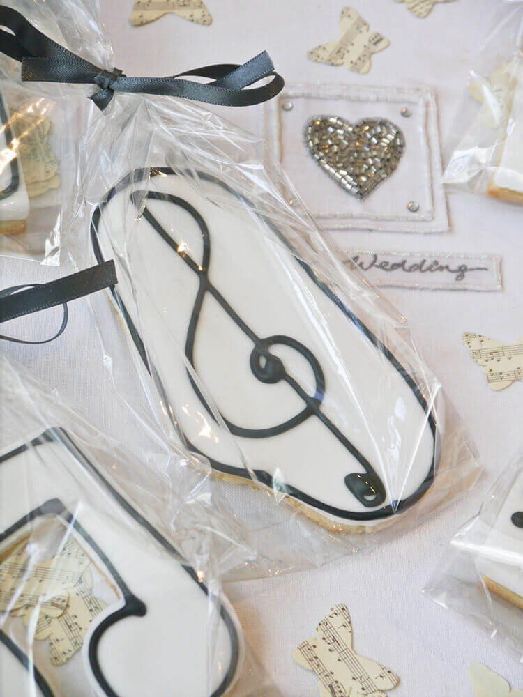 Iced Biscuit Wedding Favours Cutie Pie Cake Co Cumbria